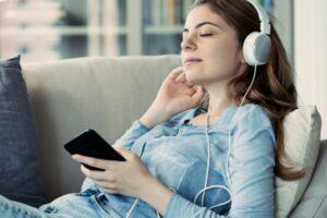Rekordmånga lyssnade på ljudböcker i sommar